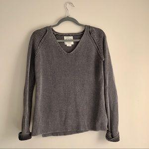 Archy&Co. Cotton On • Knit V-Neck Sweater